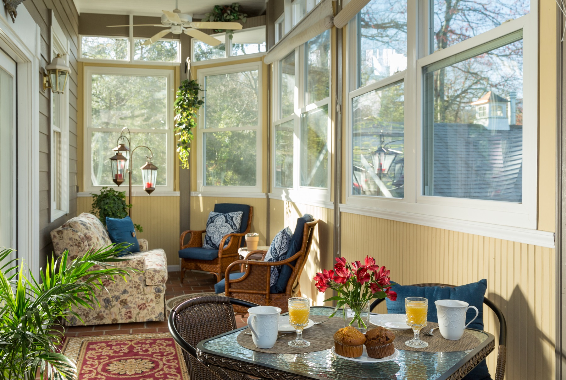 Breakfast on the porch in the magnolia suite